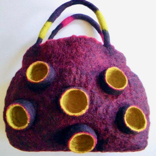 Sac sculptural feutré, technique Nuno/ Oeuvre d'art à porter - Sculptural and Nuno Felted Handbags – Art You Carry
